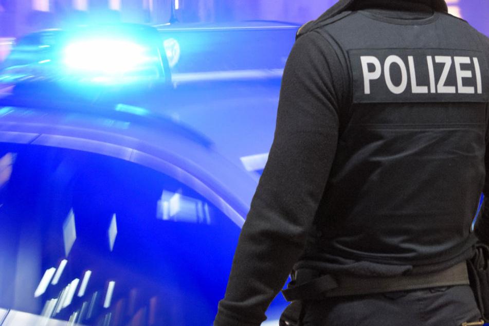 Die Polizei war schnell vor Ort und nahm den 79-Jährigen fest (Symbolbild).