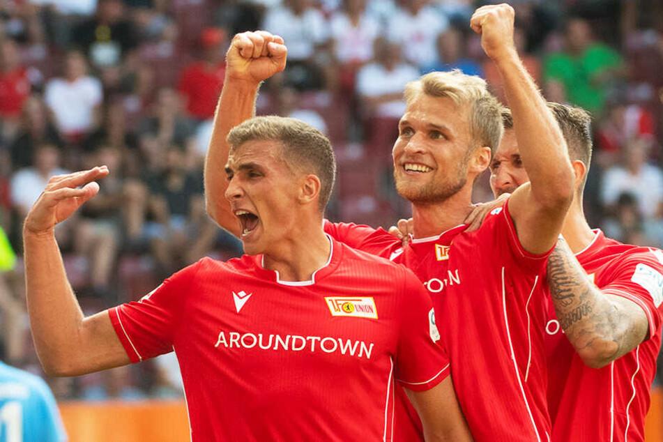 """Sebastian Andersson (M.) erzielte ein Tor für die Geschichtsbücher des 1. FC Union Berlin: Der Stürmer machte den ersten Bundesliga-Treffer für die """"Eisernen"""" und sicherte den Köpenickern damit auch noch den ersten Punkt."""