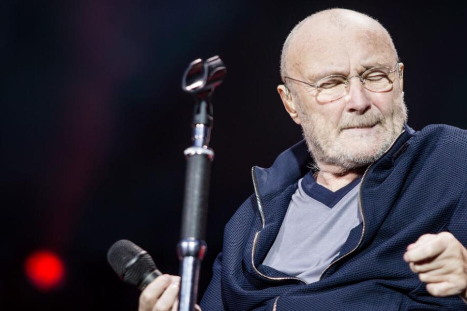 Mit Gehstock auf die Bühne: Phil Collins trotzt Schicksalsschlägen