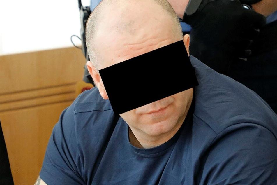 Die polnische Planenschlitzerbande stand Montag vor dem Chemnitzer Landgericht. Nur der Hauptangeklagte Bogdan S. (43) muss im Knast bleiben.