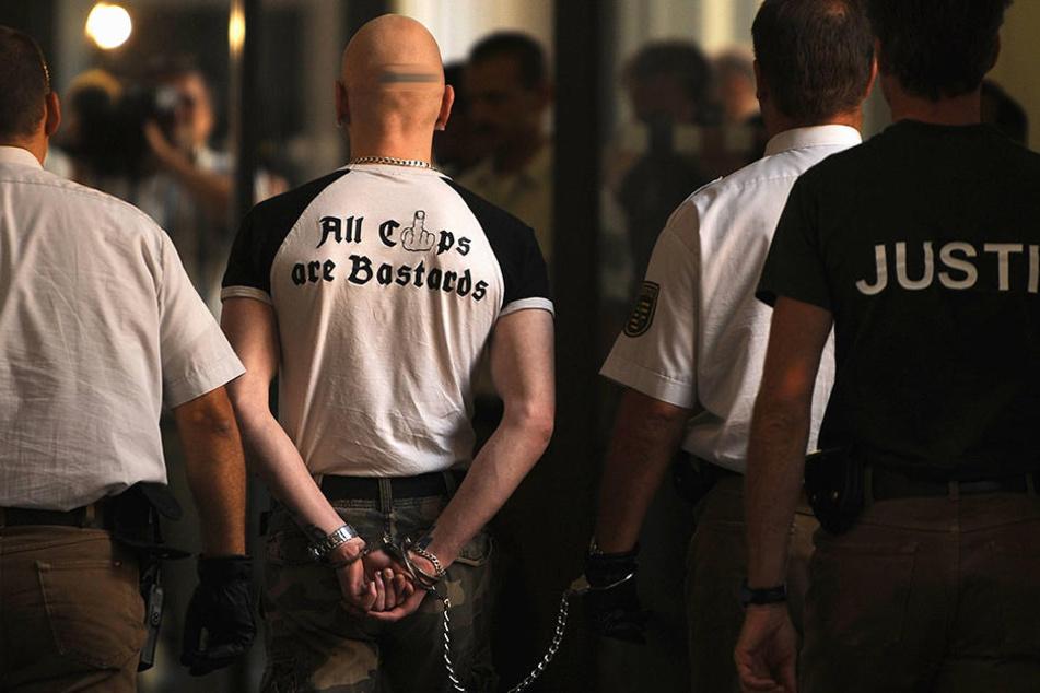 """Tom W. (30) wurde schon 2008 und 2012 als Mitglied der Nazitruppe """"Sturm 34"""" verurteilt."""