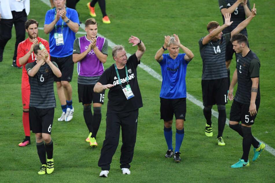 Robert Bauer zeigte sieben Finger in Richtung der brasilianischen Fans.