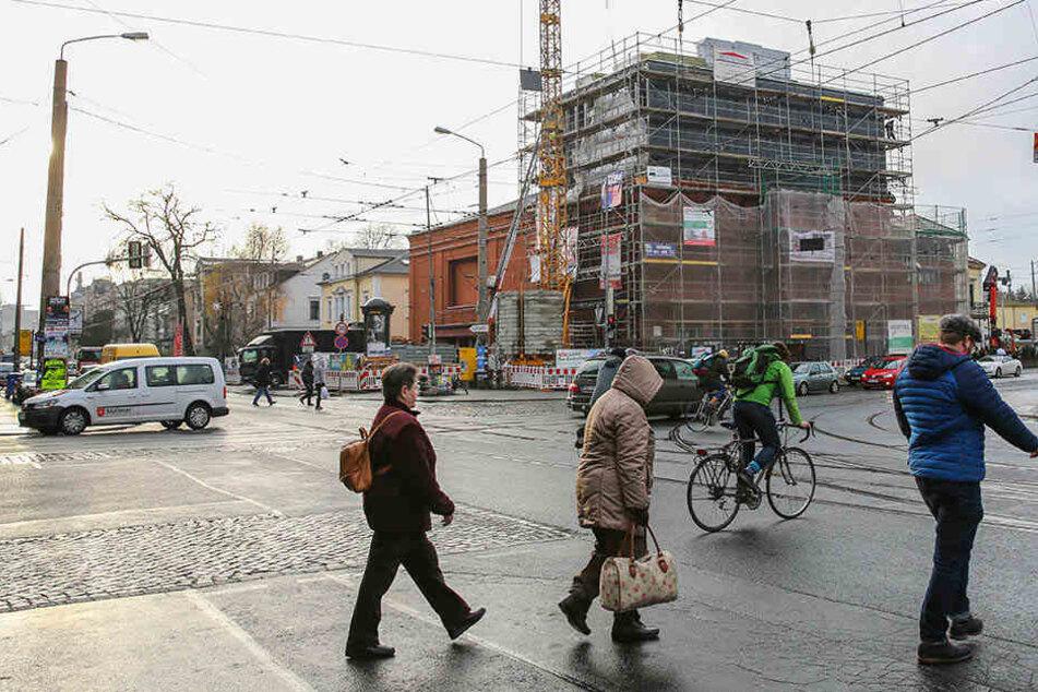 Seit Mai wird das 90 Jahre alte Kino an der Königsbrücker Straße saniert und erweitert.