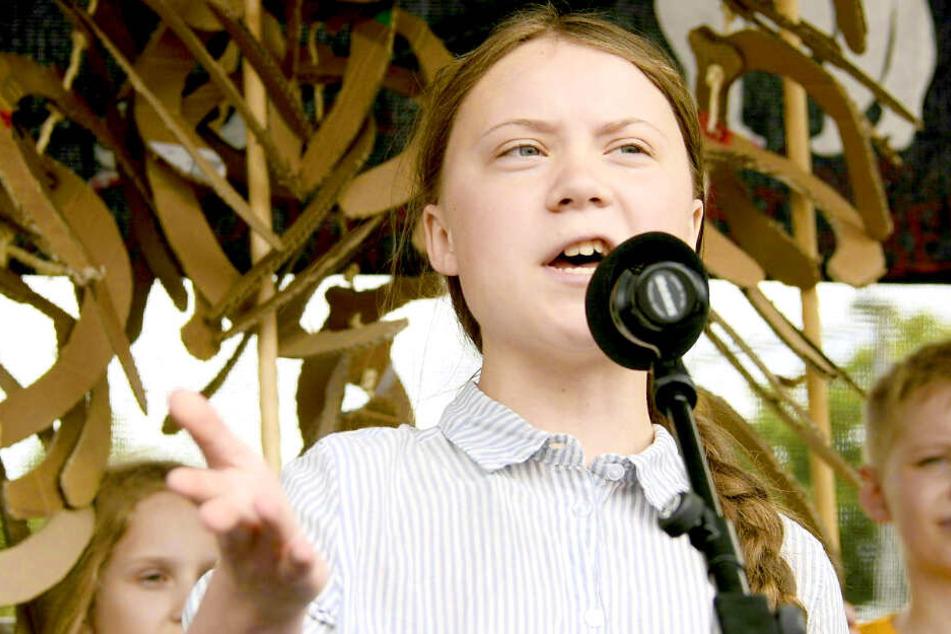 Greta Thunberg spricht vor Tausenden Demonstranten in Berlin
