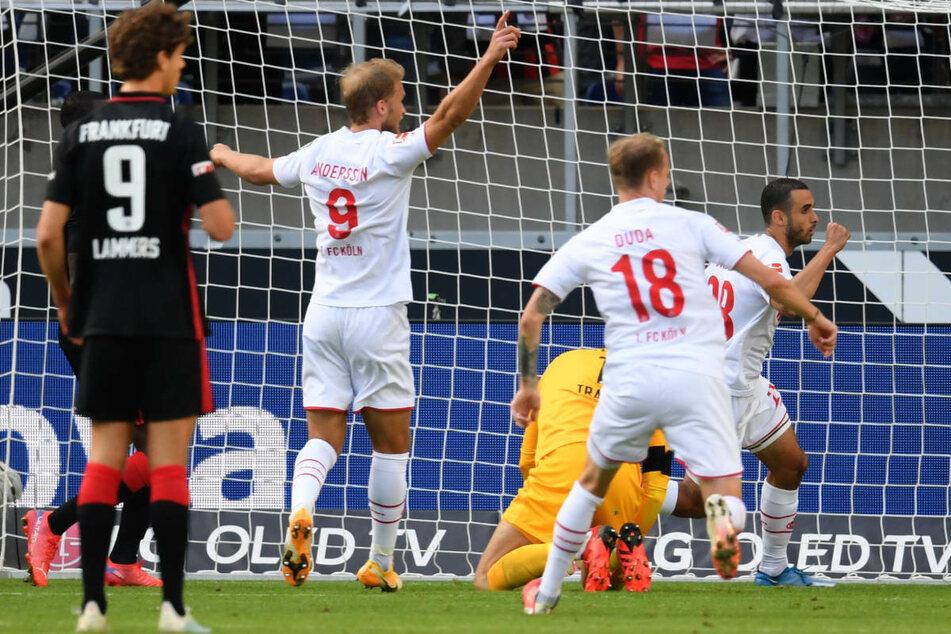 Torschütze Ellyes Skhiri (r.) und seine Kölner Mitspieler bejubeln das 1:0 für die Gäste in der 14. Minute.