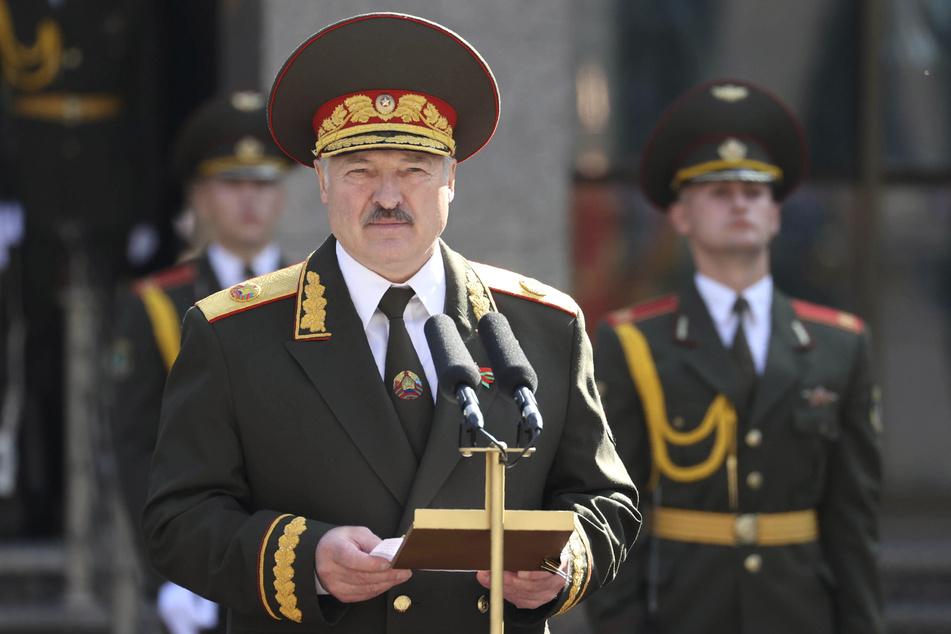 Alexander Lukaschenko (65), Präsident von Belarus, hält bei der Zeremonie zu seiner Amtseinführung eine Rede.