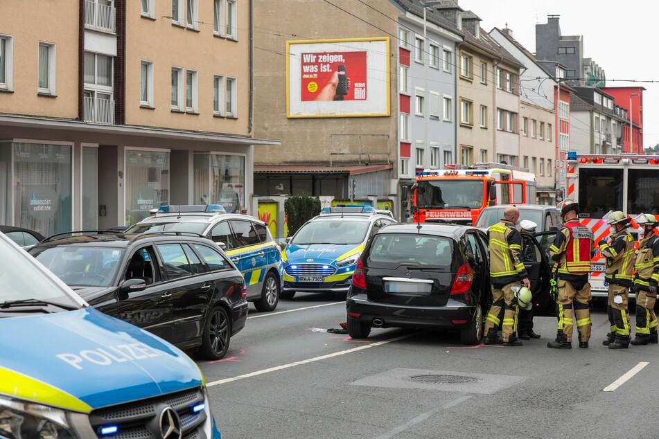 Die beiden Insassen des angefahrenen Mercedes (links im Bild) blieben unverletzt.