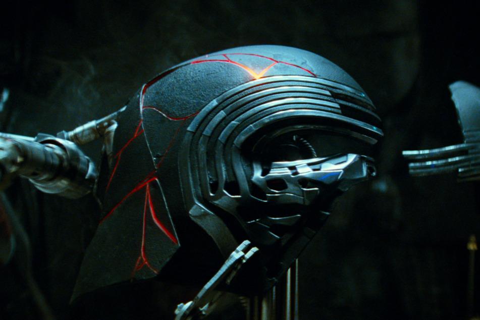 Auch die Maske von Kylo Ren (Adam Driver) spielt eine wichtige Rolle in Episode IX.