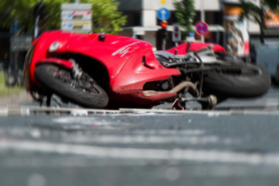 Der alkoholisierte Motorradfahrer wurde schwer verletzt. (Symbolbild)