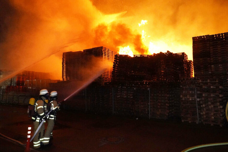 Nach fünf Stunden waren die Flammen gelöscht.