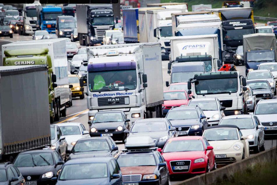 Der Unfall ereignete sich auf dem Standstreifen der Autobahn 3 bei Frankfurt (Symbolbild).