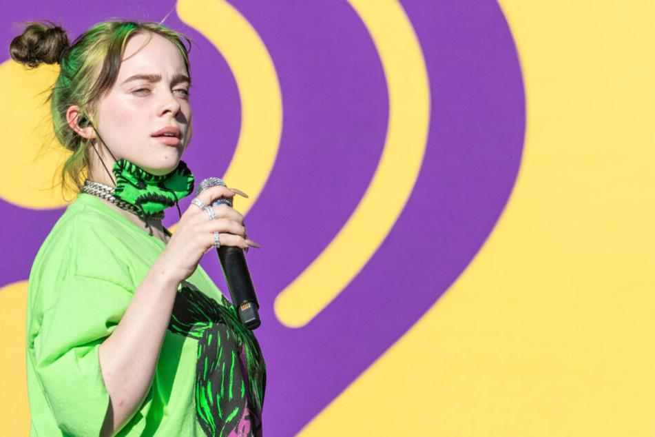Billie Eilish (18) hat den neuen Bond-Song gemeinsam mit ihrem Bruder geschrieben.
