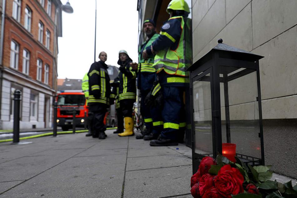 Ihre Eltern starben im Kölner Feuerhaus: Hilfswelle für Tochter gestartet
