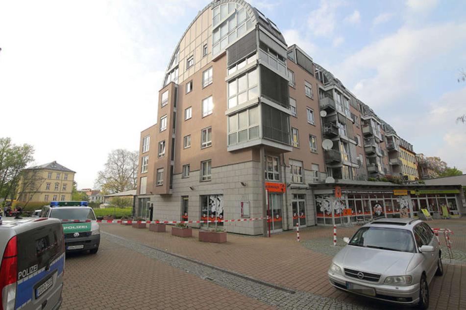 Im ersten Stock dieses Wohnhauses in der Neustadt starb Thu T. (41).