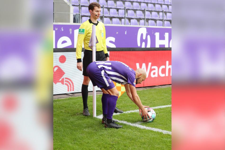 Wenn sich Philipp Riese an der Eckfahne den Ball zurecht legt, herrscht beim Gegner neuerdings Alarmstimmung.