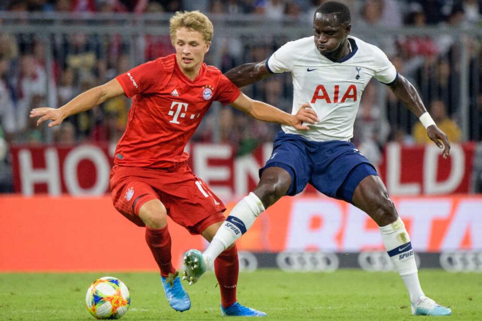 In der Vorbereitung durfte Fiete Arp bei den Profis gegen Tottenham ran.