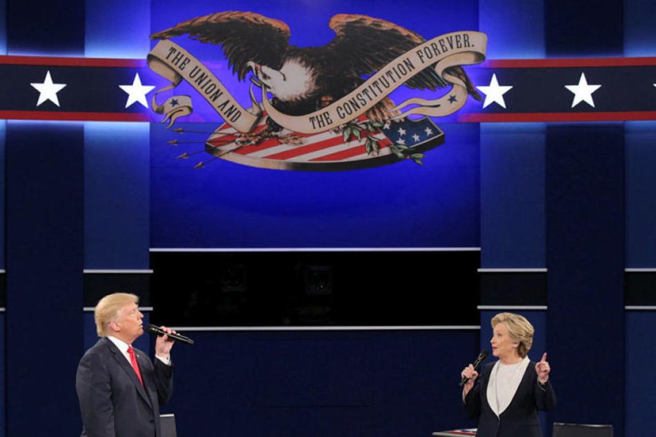 In der Debatte um die Behandlung von Muslimen in den USA forderte Clinton mehr Toleranz.