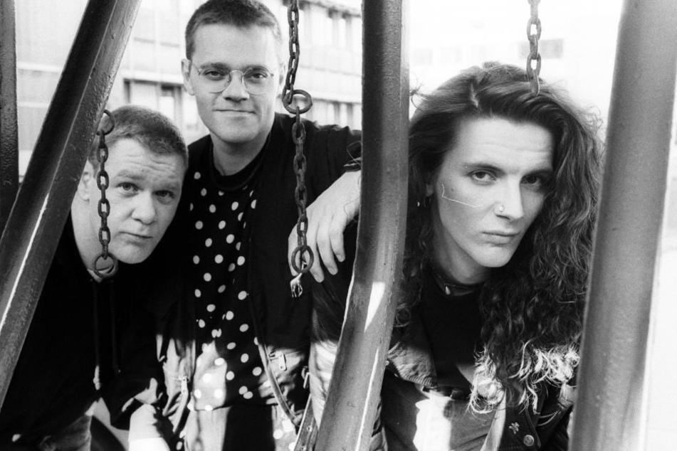 """Larry Steinbachek (Mitte) im Kreise seiner Band """"Bronski Beat""""."""