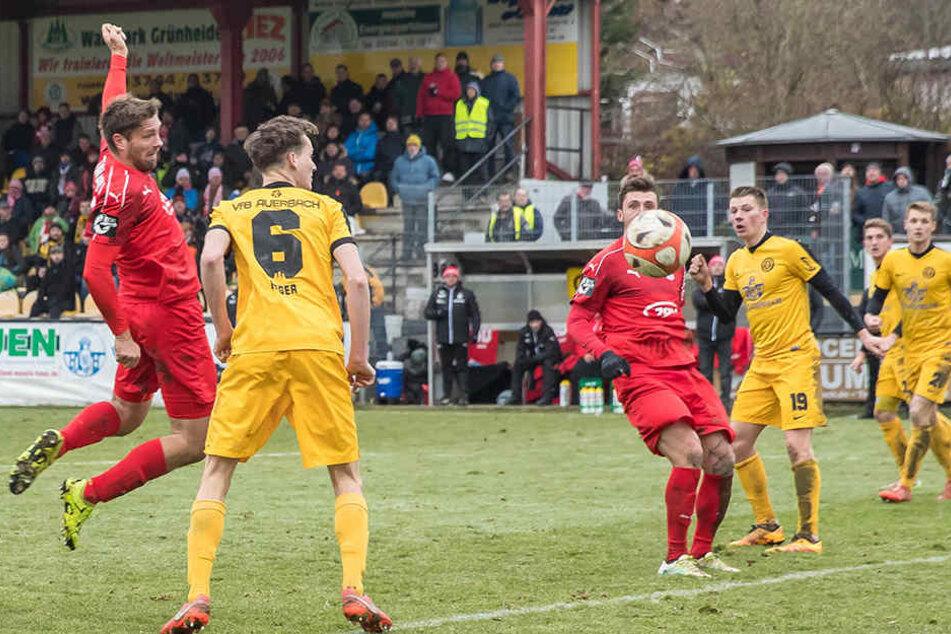 Ronny König (links) traf zum 1:0 für Zwickau.