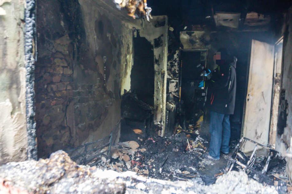 Fünf Verletzte - Bewohner stirbt bei Brand in Anliegerhaus