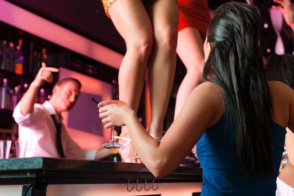 Auf vielen Promi-Partys geht es wild her, Alkohol und Drogen sind angeblich an der Tagesordnung (Symbolbild).