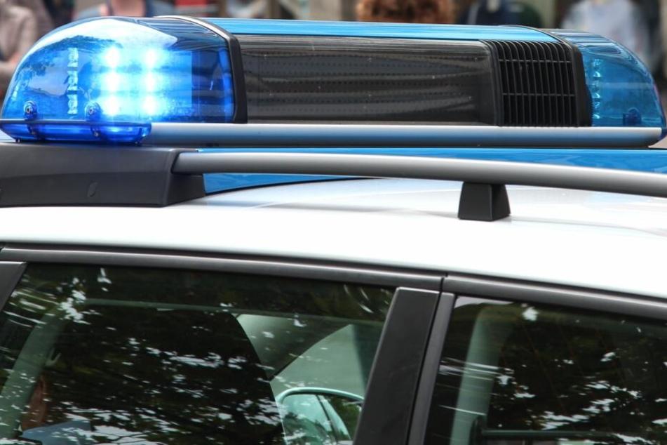 Die Polizei fahndet nach den Tätern. (Symbolbild)