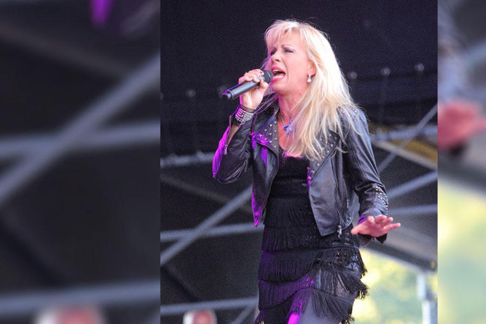 Bereits am Freitagabend steht DDR-Star Petra Zieger (58) auf der Bühne.
