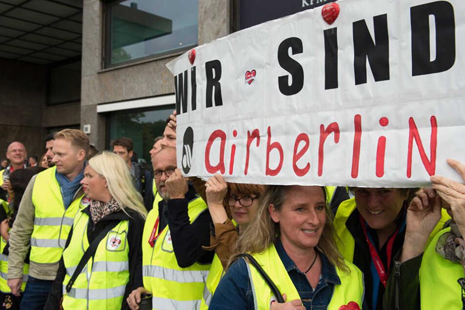 Tausende Air Berlin-Mitarbeiter haben Angst um ihre Zukunft.