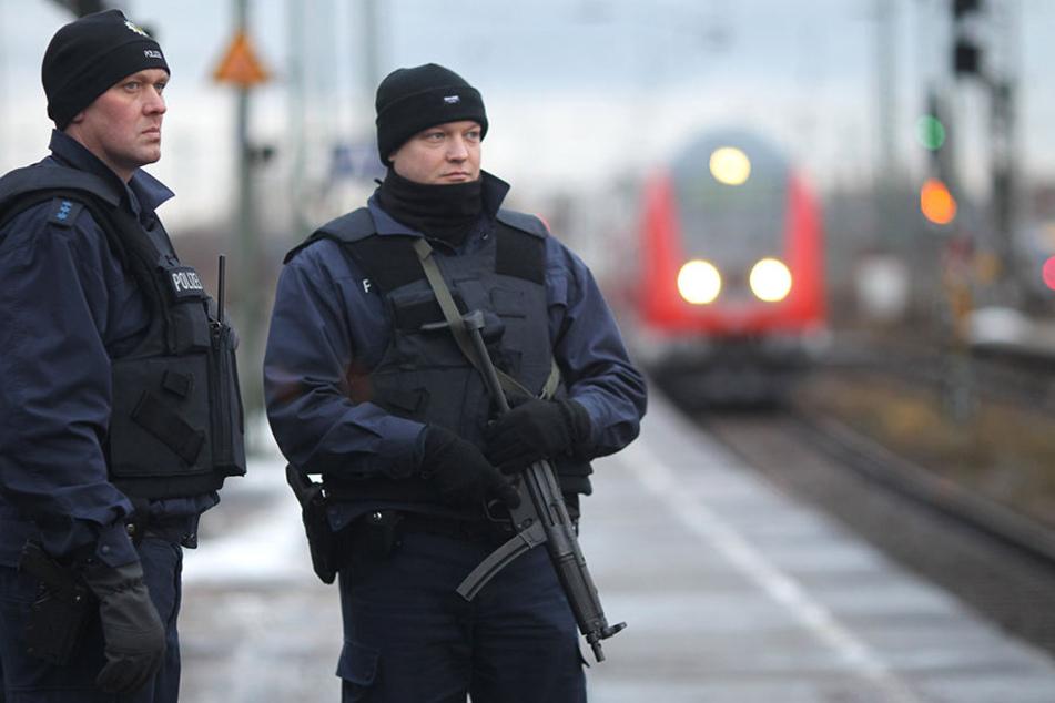 Eine Streife der Bundespolizei am Hauptbahnhof Magdeburg. (Symbolbild)