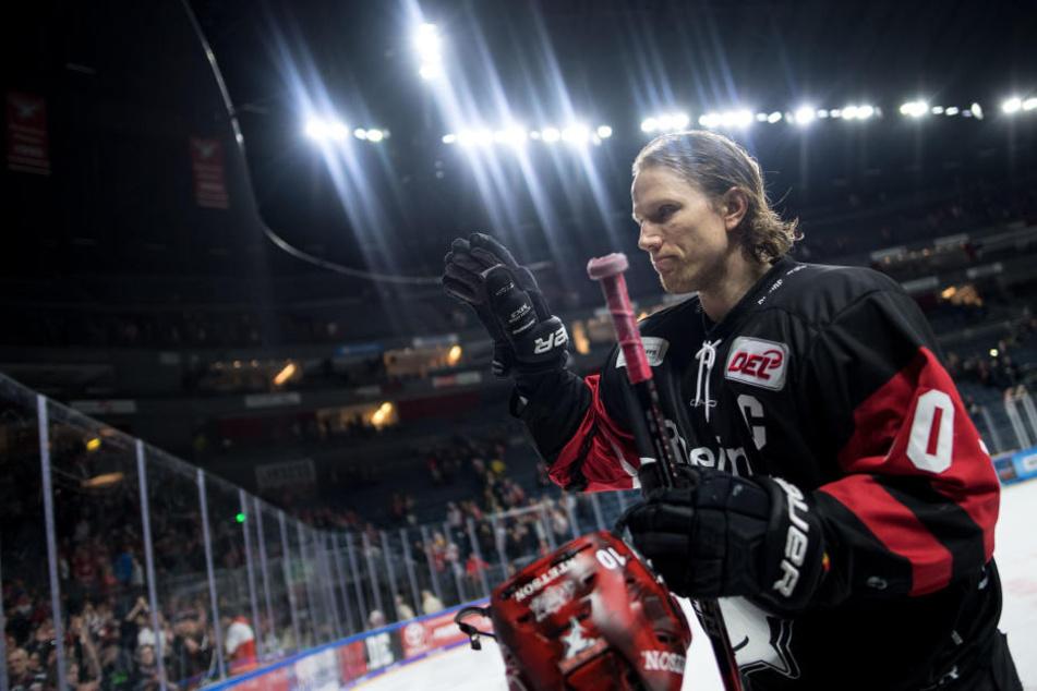 Christian Ehrhoff nach seinem letzten Spiel als Eishockey-Profi für die Kölner Haie am 25.03.2018.