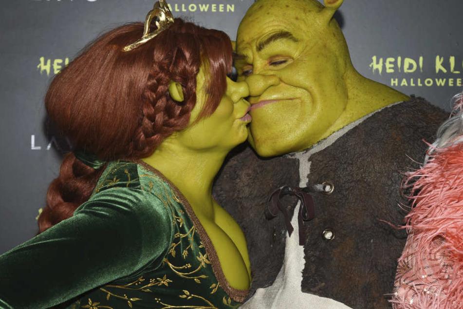Mit ihrem Freund Tom verkleidete sich Heidi Klum als Fiona und Shrek.
