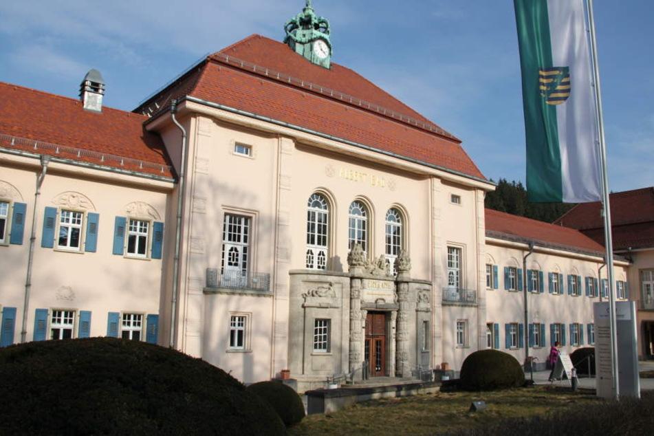 Gästen des historischen Albertbades in Bad Elster werden außer Heilwasser auch Kultur und Stil geboten.