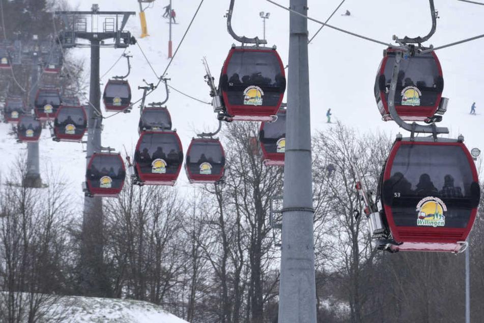 Das Foto aus dem Januar 2015 zeigt den Sessellift am Ettelsberg (838 Meter) in Willingen.