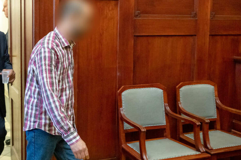 Der Angeklagte beim Prozess in Bayreuth. Am heutigen Dienstag werden die Plädoyers erwartet.