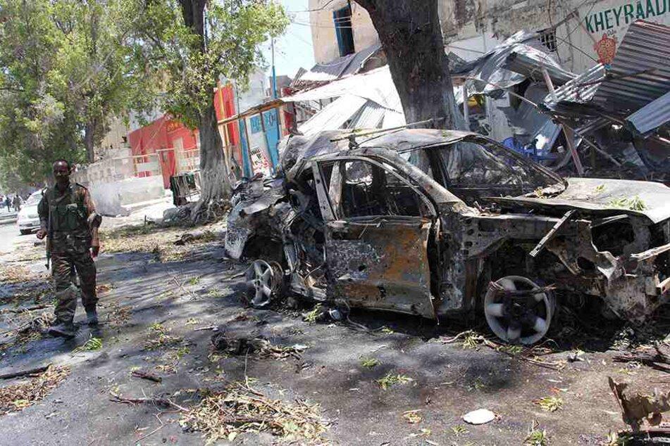 Die Terrormiliz Al-Shabaab bekannte sich zu dem jüngsten Attentat in Mogadischu. (Symbolbild)