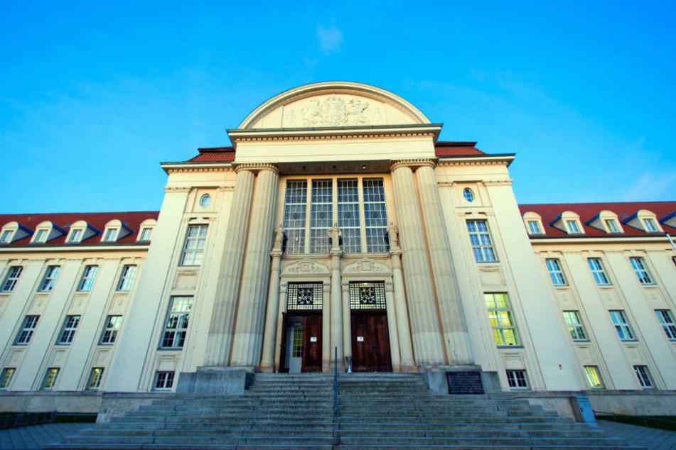 Das Landgericht Schwerin verhandelt ab Dienstag eine unfassbare Gewalttat (Archivbild).