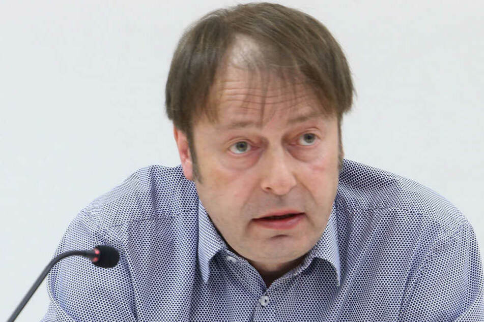 Grünen-Chef Thomas Lehmann (49) wirft dem Rathaus vor, seit Jahren untätig geblieben zu sein.
