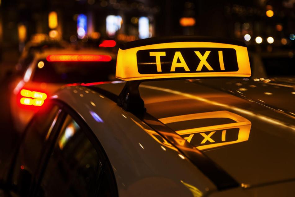 Vorsicht! Brennen diese Lichter am Taxi, ruft sofort die Polizei!