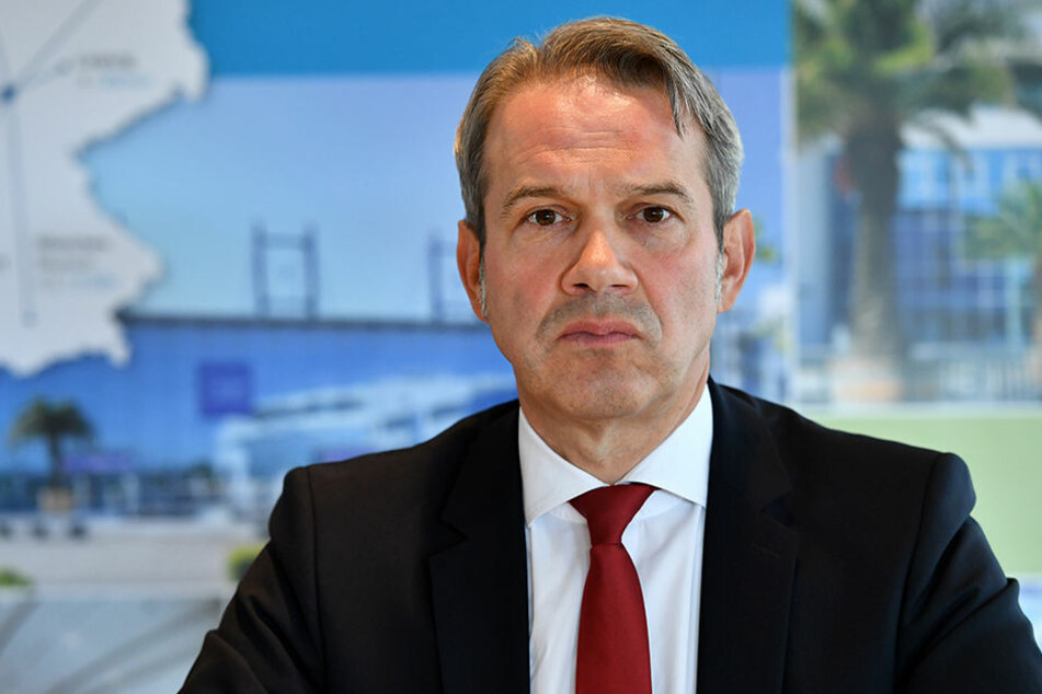 Thüringens Innenminister muss wegen Gebietsreform gehen