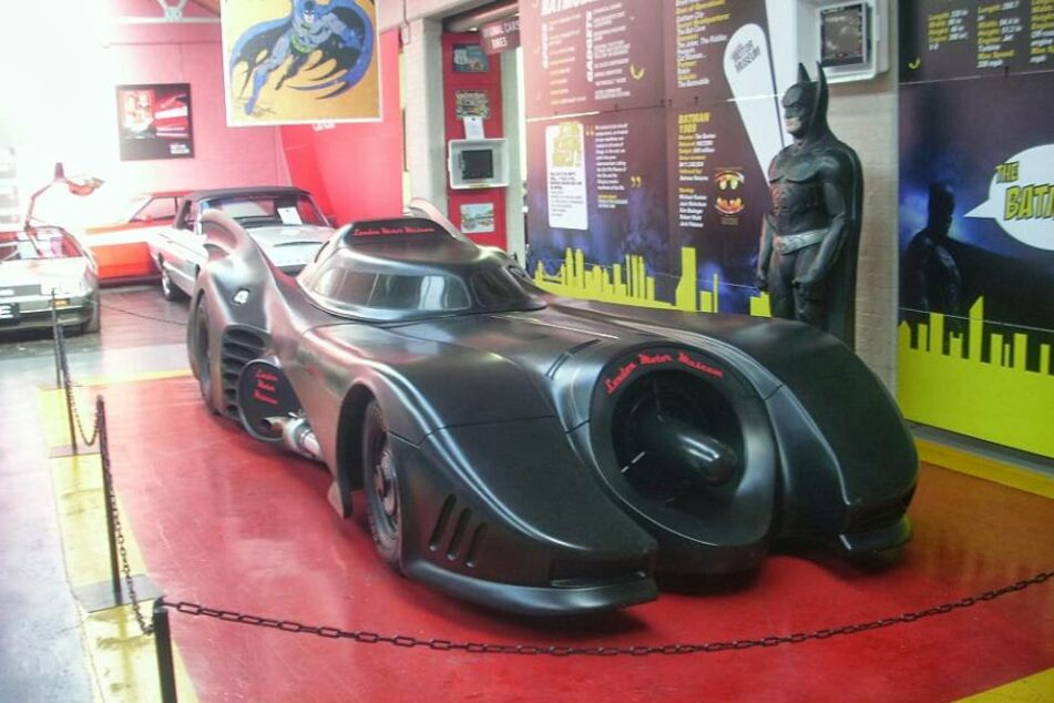 Das originale Batmobil steht unversehrt im British Motor Museum in London.