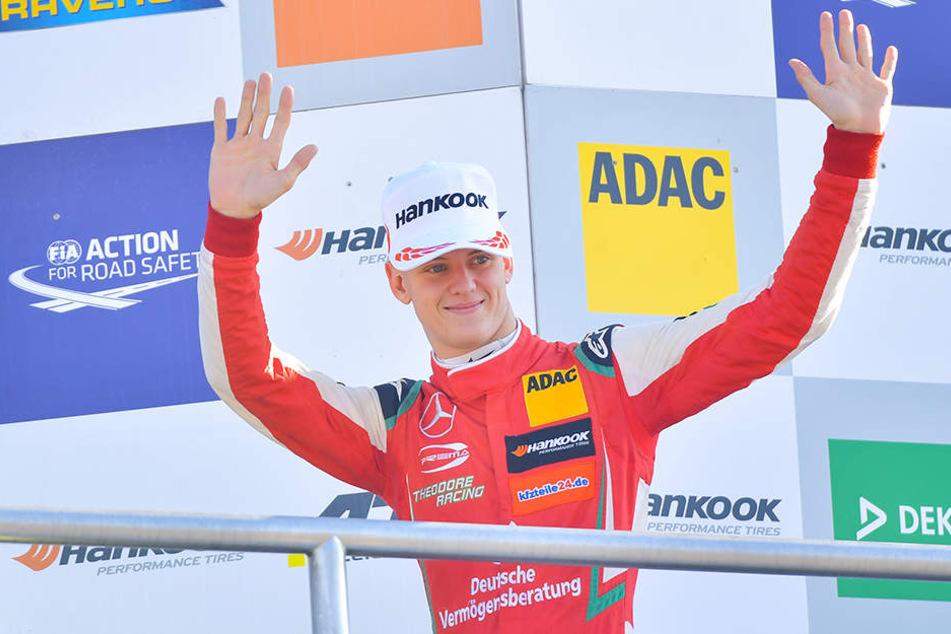 Mick Schumacher (19) klettert die Karriereleiter weiter nach oben.