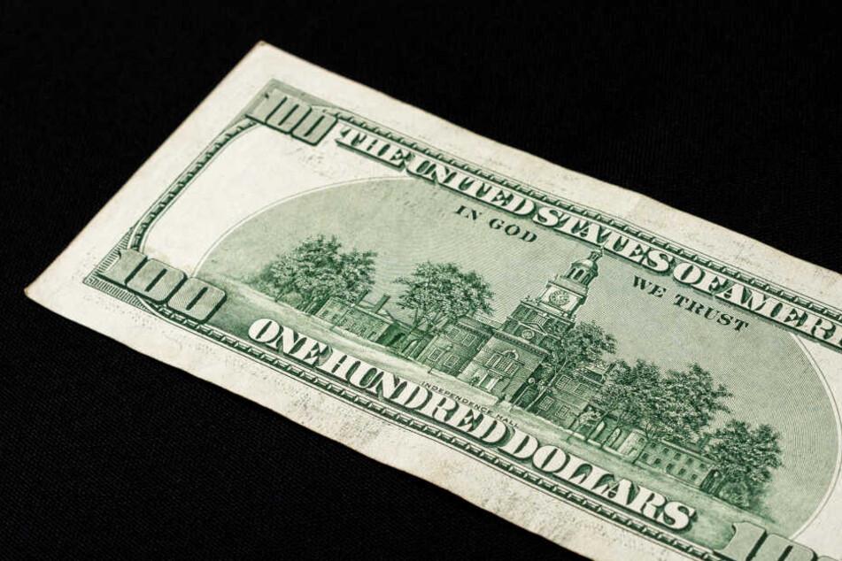 Eine 100 US-Dollar-Note fand das Mädchen im Supermarkt (Symbolbild).