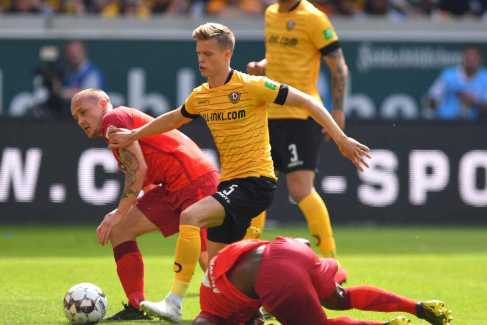 Burnić am letzten Spieltag der Saison gegen den SC Paderborn.