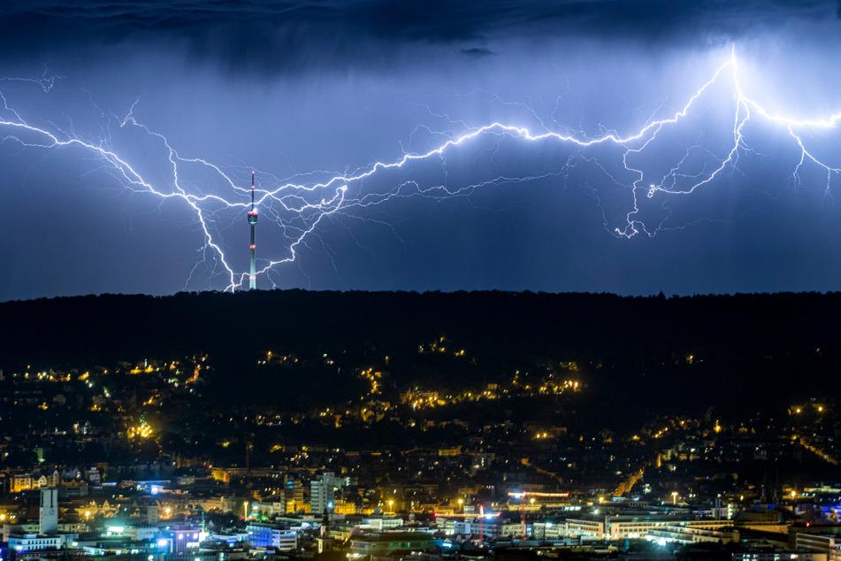 Gewitter gehören am Wochenende im ganzen Südwesten dazu. (Archiv)