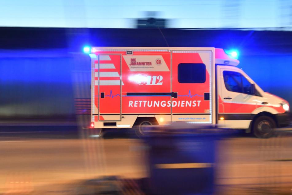 400-PS-Ford rutscht bei Regen in Familienwagen: Vier Menschen schwer verletzt