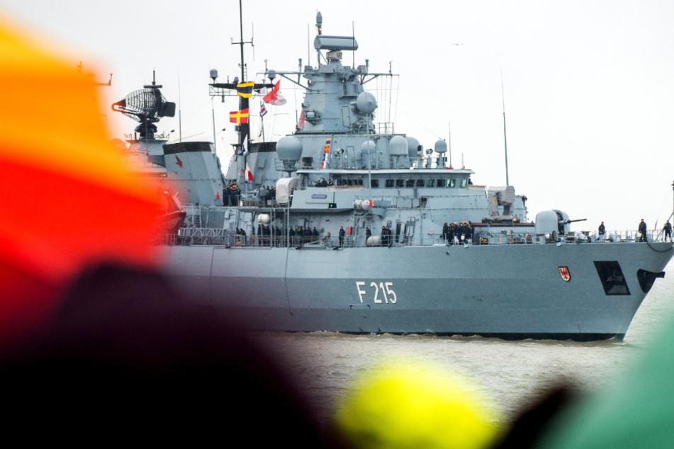 """Monate ohne Landgang: Kriegsschiff """"Brandenburg"""" läuft zu Nato-Einsatz aus"""