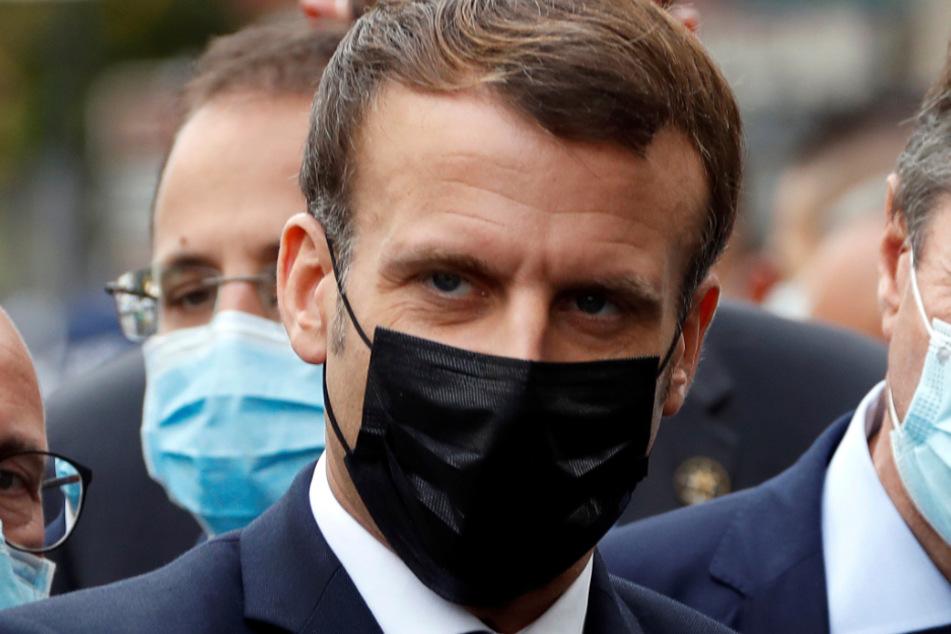 Frankreichs Präsident Emmanuel Macron (42) muss jetzt nicht nur gegen Corona, sondern auch wieder gegen Terroristen angehen.