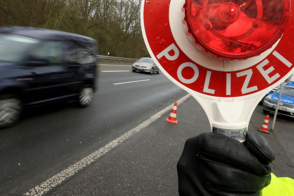 Vollsperrung der A45 bei Dillenburg in Hessen nach Unfall