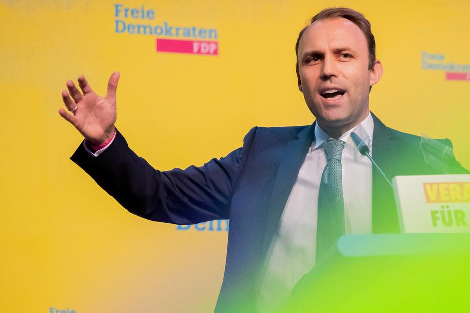Berlins FDP-Fraktionschef Sebastian Czaja (38) erwartet vom Senat eine Garantie, dass es keinen weiteren Lockdown geben wird.
