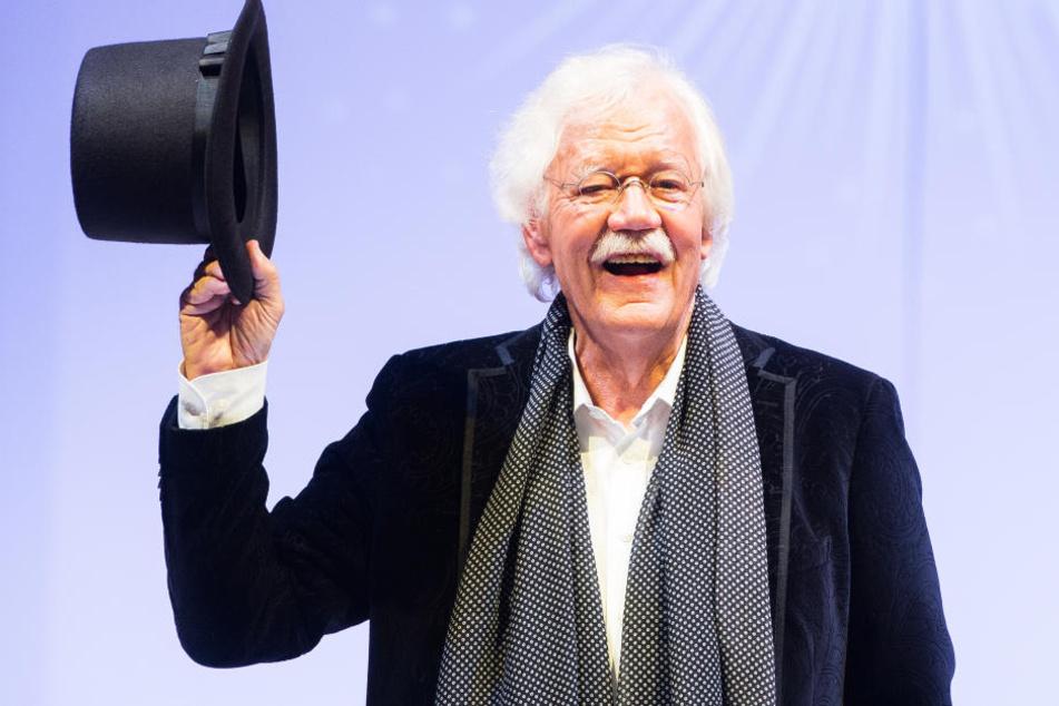 Carlo von Tiedemann feiert live in seinen 75. Geburtstag herein.